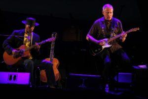 Eric Bibb und der schwedische Gitarrist Staffan Astner. (Foto: Björn Othlinghaus)