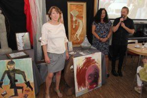 Verena Kasperek, Iris Kannenberg und Daniel Scharf präsentierten die Ausstellung. (Foto: Björn Othlinghaus)