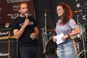 Veranstalter Oliver Straub und Radio-MK-Moderatorin Lucia Carogioiello. (Foto: Björn Othlinghaus)