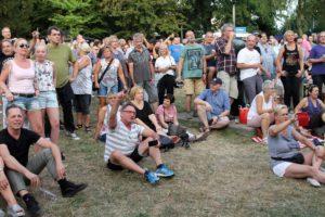 Gut gelauntes Publikum im Kulturhauspark. (Foto: Björn Othlinghaus)