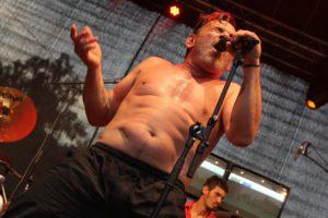 Sänger und Trompeter Diego Casanova war die Urgewalt am Mikro von Rosario Smowing. (Foto: Björn Othlinghaus)