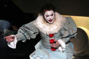 Tenor Raymond Sepe als Don Carlos. (Foto: Björn Othlinghaus)