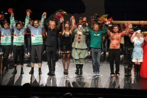 Das Ensemble wurde vom Publikum gefeiert. (Foto: Björn Othlinghaus)