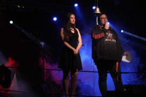 Carmen Klughardt und Steven Stegnitz moderierten die Veranstaltung. (Foto: Björn Othlinghaus)