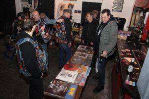 Viele Raritäten gab es bei der AC/DC-Börse am Samstag. (Foto: Björn Othlinghaus)