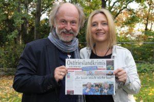 Journalist Holger Bloem gestaltet auch die Ostfrieslandkrimi-Zeitung, die Klaus-Peter Wolf jährlich veröffentlicht. (Foto: Björn Othlinghaus)