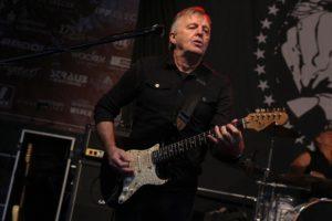 Gitarrist Bubi Hönig (Foto: Björn Othlinghaus)