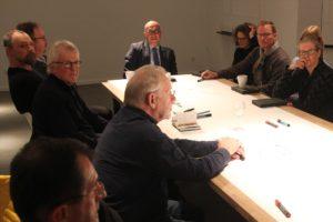 Bei regelmäßigen Diskussionsrunden im Rahmen der Wunderkammern sollen Ideen für die Stadt Lüdenscheid festgehalten und umgesetzt werden. (Foto: Björn Othlinghaus)