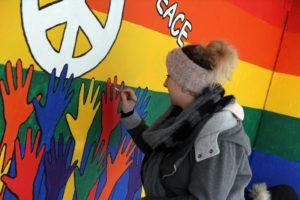 Die Jugendlichen steckten viel Mühe und Sorgfalt in ihre künstlerische Arbeit. (Foto: Björn Othlinghaus)