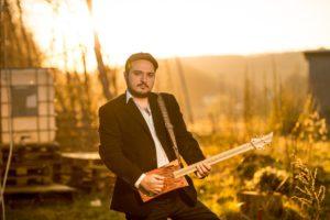 Der Musiker Artur Tadevosyan ist deutscher Staatsbürger mit armenischen Wurzeln. (Foto: Bernd Manthey)