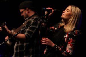 HonigMut werden mit ihrem zauberhaften Pop mit deutschen Texten das Publikum begeistern. (Foto: Björn Othlinghaus)