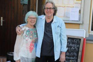 Nanni Lange und Jürgen Wigginghaus von Nannis Kirchhahn werden einen Teil der gastronomischen Unterstützung des Events übernehmen. (Foto: Björn Othlinghaus)