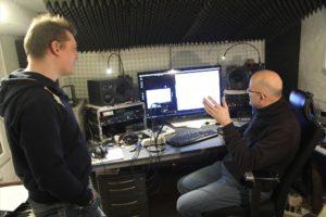 Viele Aspekte werden bei der Produktion des Albums ausgiebig diskutiert. (Foto: Björn Othlinghaus)