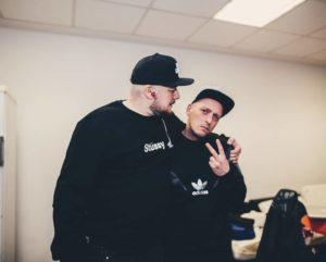 "Kool Savas und André Mattick alias DJ Eule ""backstage"". (Foto: MG Video)"