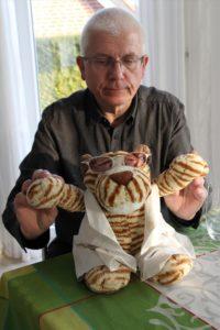 Dr. Tiggerstein freut sich, dass ihn sein Schöpfer Thorsten Bachert filmisch groß raus gebracht hat. (Foto: Björn Othlinghaus)